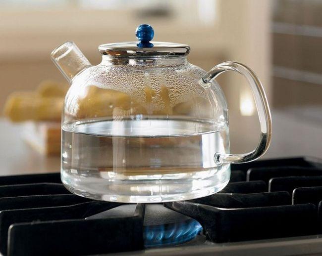 Почему нельзя кипятить воду дважды? Мифы и факты о кипяченой воде