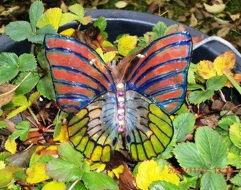 Бабочка из пластиковой бутылки своими руками