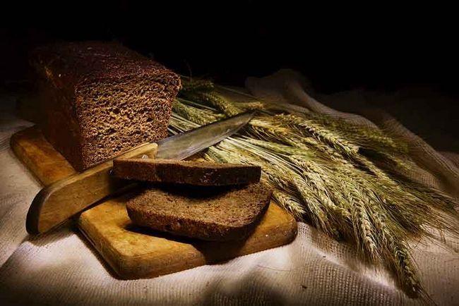 Полезные свойства черного хлеба