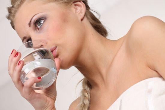 Полоскание горла содой и солью, йодом: пропорции компонентов и особенности процедуры
