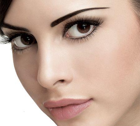 Правила нанесения макияжа на карие глаза