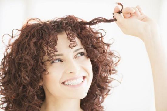 Прически с кудрями на средние волосы в домашних условиях: мастер-класс