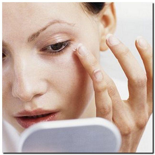 Причины отеков под глазами. Как убрать отеки под глазами?