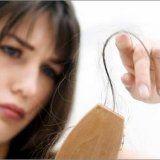 Причины выпадения волос женщины