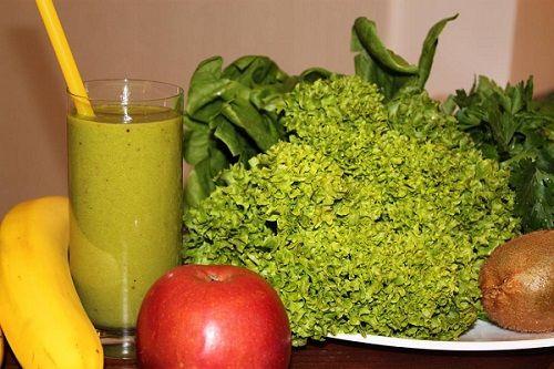 Zielony koktajl receptury do czyszczenia i urody