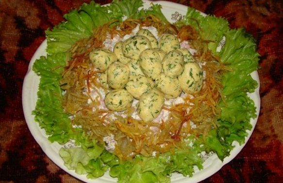 Салат Глухариное гнездо оригинальный
