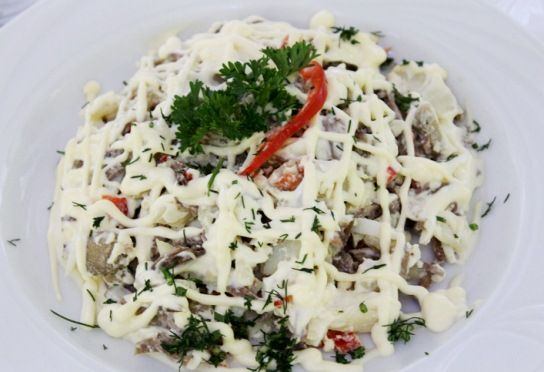 Салат Купеческий с солеными огурцами
