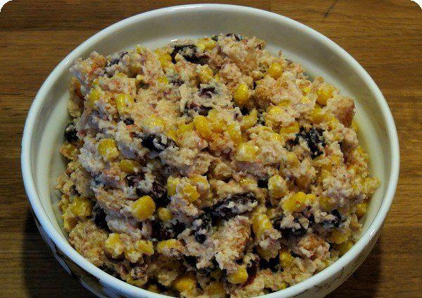 Салат обжорка: рецепт с кириешками