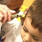 Серные пробки в ушах у детей: симптомы, лечение, что делать потом