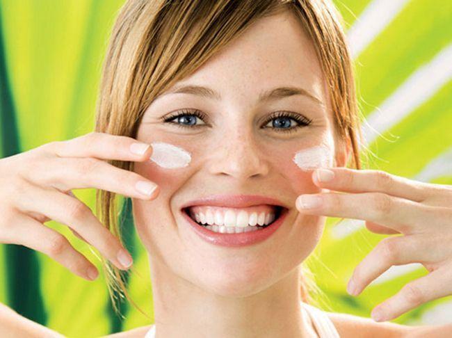 Слънцезащитен крем за лице SPF50 - това, което е по-добре? Отзиви и кандидатстване