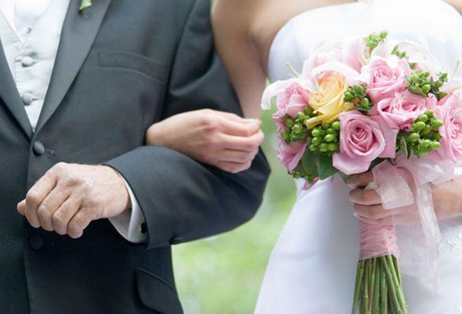Свадебные приметы, обряды и традиции. Приметы свадебного платья и другие подсказки, которые должна знать невеста