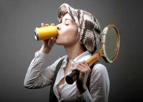 Употребление энергетических напитков способствует пристрастию к вредным привычкам