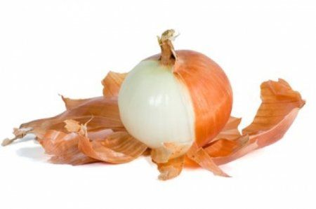 В хозяйстве все сгодится: 7 волшебных свойств луковой шелухи