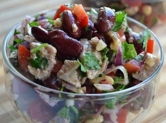 салат с красной фасолью консервированной «Тбилиси»