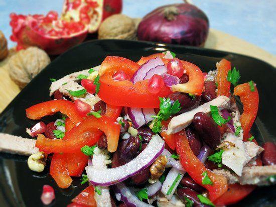 Салат с красной фасолью консервированной и курицей