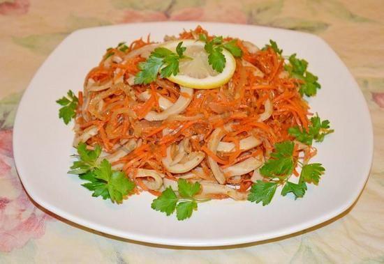 Салат из кальмаров с корейской морковкой