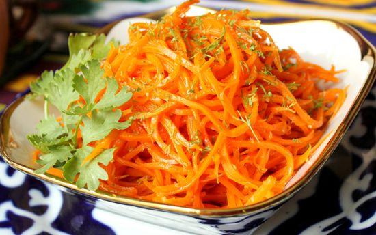 Вкусный салат с корейской морковью: базовый рецепт