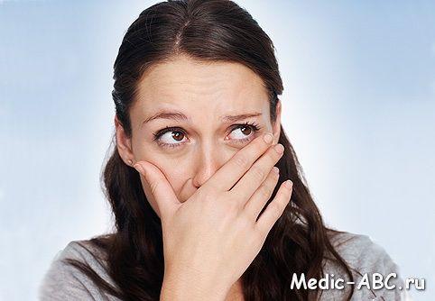 Zapach gardła, przyczyny i sposoby radzenia sobie z delikatnej kwestii