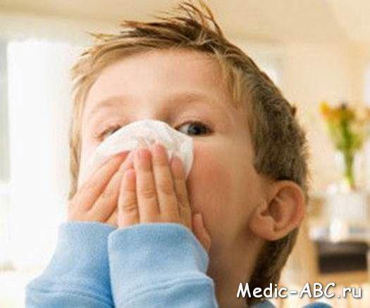 Желтая жидкость из носа - о чём это свидетельствует?