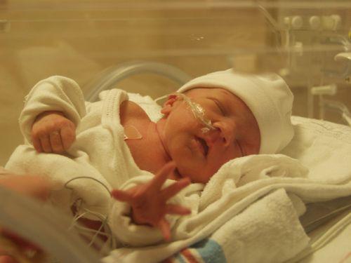 Зрение у новорожденных детей